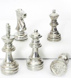 chess-seals